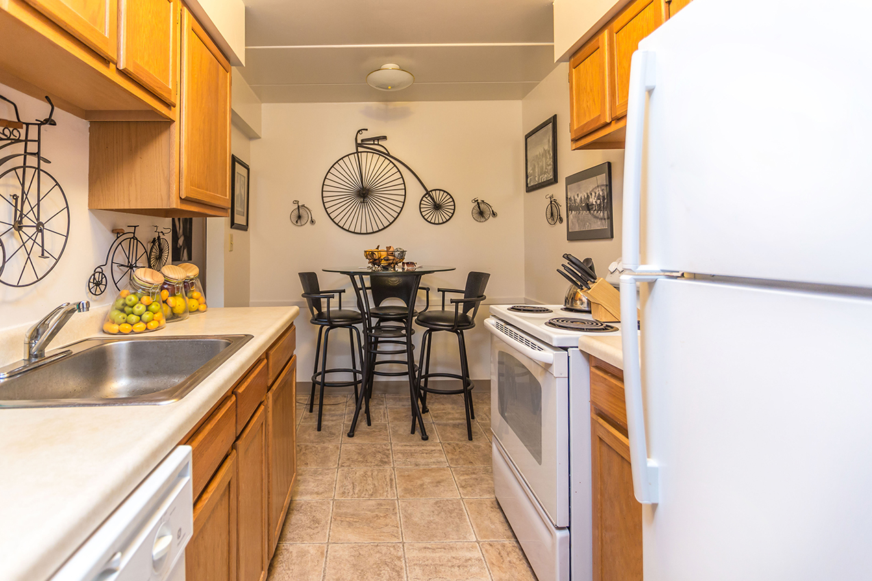 Eat-in kitchen of an apartment unit