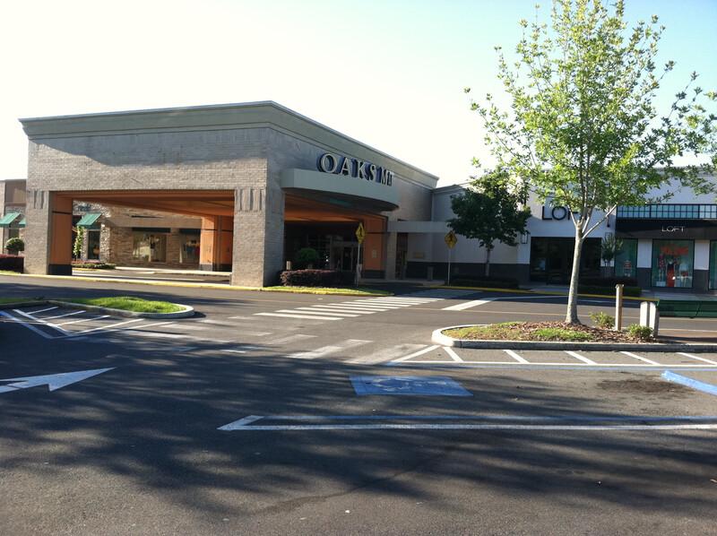 The Oaks Mall